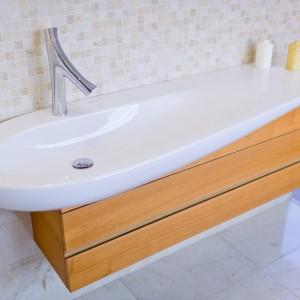 Detail vzorkové koupelny v koupelnovém studiu Gremis - umyvadlo oválné v elegantním provedení