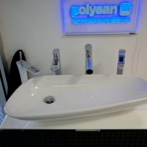 Koupelnové studio Gremis ve Velkém Meziříčí a vystavený koupelnový sortiment