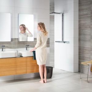 Pohled na koupelnu s obklady Rako