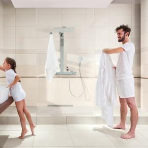 Rodina v koupelně značky Rako