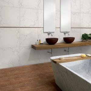 Inspirace koupelnami Alfalux - velká koupelna se dvěma umyvadly a vanou