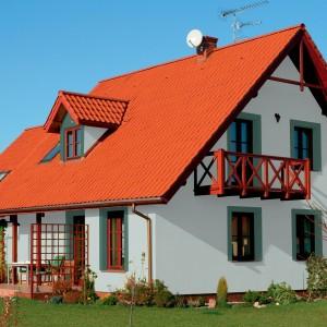 Bílá fasáda Ceresit na velkém rodinném domě. Fasády Ceresit prodává Fasádní centrum Gremis ve Velkém Meziříčí.