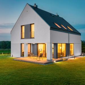 Moderní rodinný dům s fasádou Ceresit. Doporučuje Fasádní centrum Gremis ve Velkém Meziříčí.
