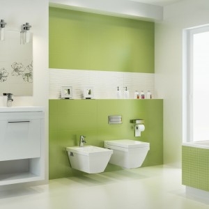 Koupelna s obklady Paradyż - hra bílé a pastelově zelené