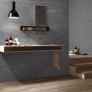 Koupelna s obklady od Ceramiche Supergres - šedá varianta