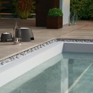 Keramická dlažba Ceramiche Supergres v nabídce obchodu Gremis - použití kolem bazénu
