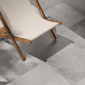 Keramická dlažba Ceramiche Supergres - příklad použití šedé dlažby
