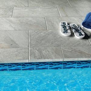 Keramická dlažba Alfalux v nabídce obchodu Gremis - instalace u bazénu