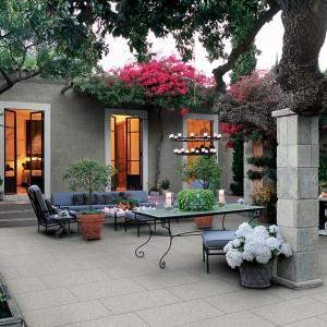 Keramická dlažba Alfalux v nabídce obchodu Gremis - příklad využití na stylové terase