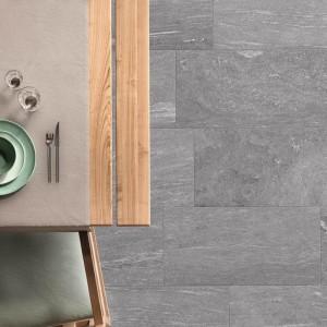 Keramická dlažba Ceramiche Supergres v nabídce obchodu Gremis - šedá varianta v interiéru