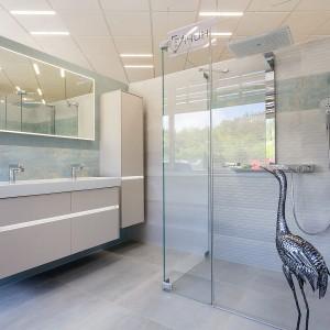 Vzorková koupelna ve studiu Gremis v moderním provedení