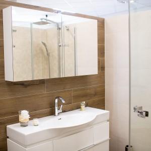 Řešení umývací stěny ve vzorkové koupelně v koupelnovém studiu Gremis ve Velkém Meziříčí